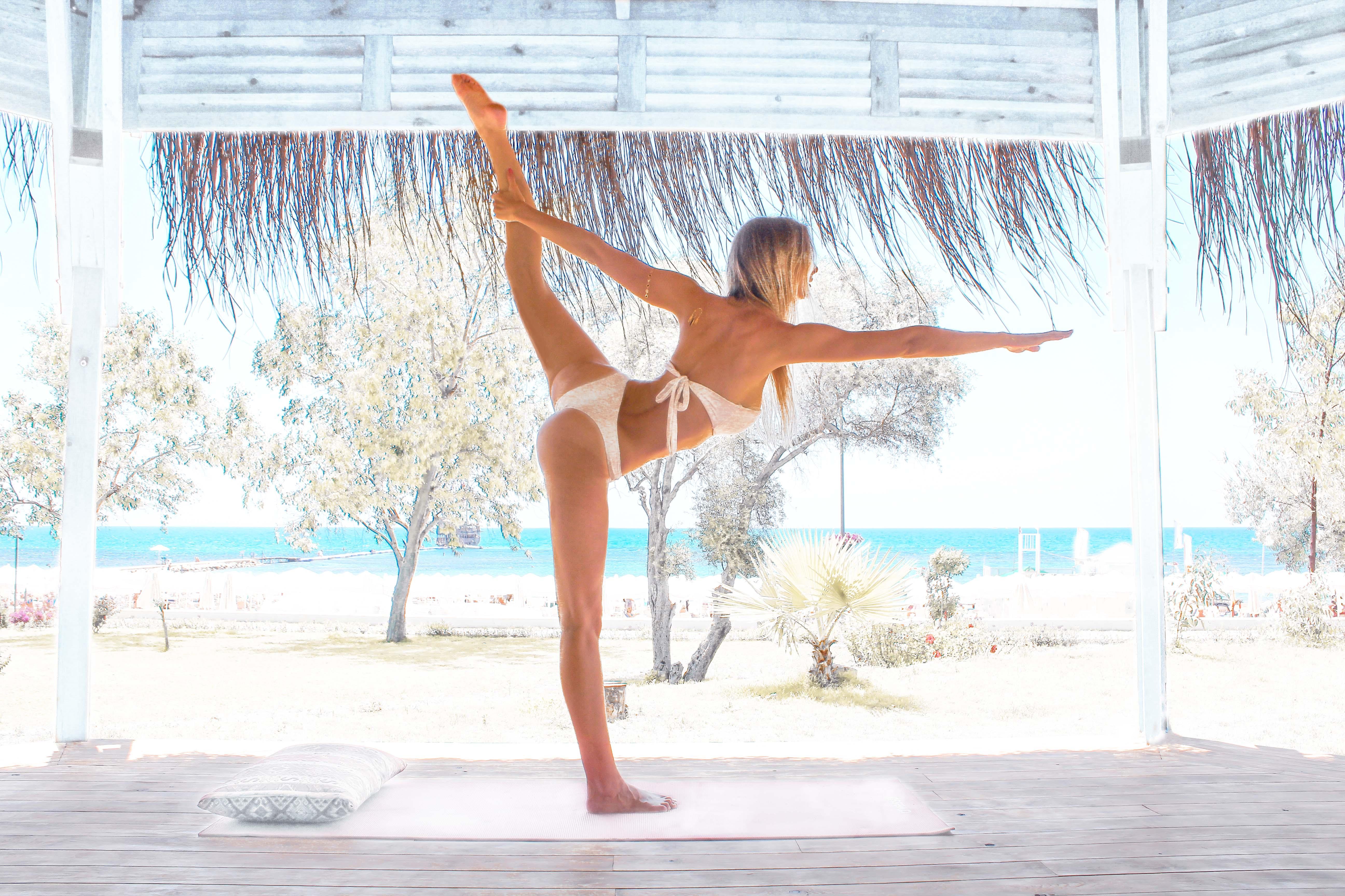 Yoga - Leslie Huhn