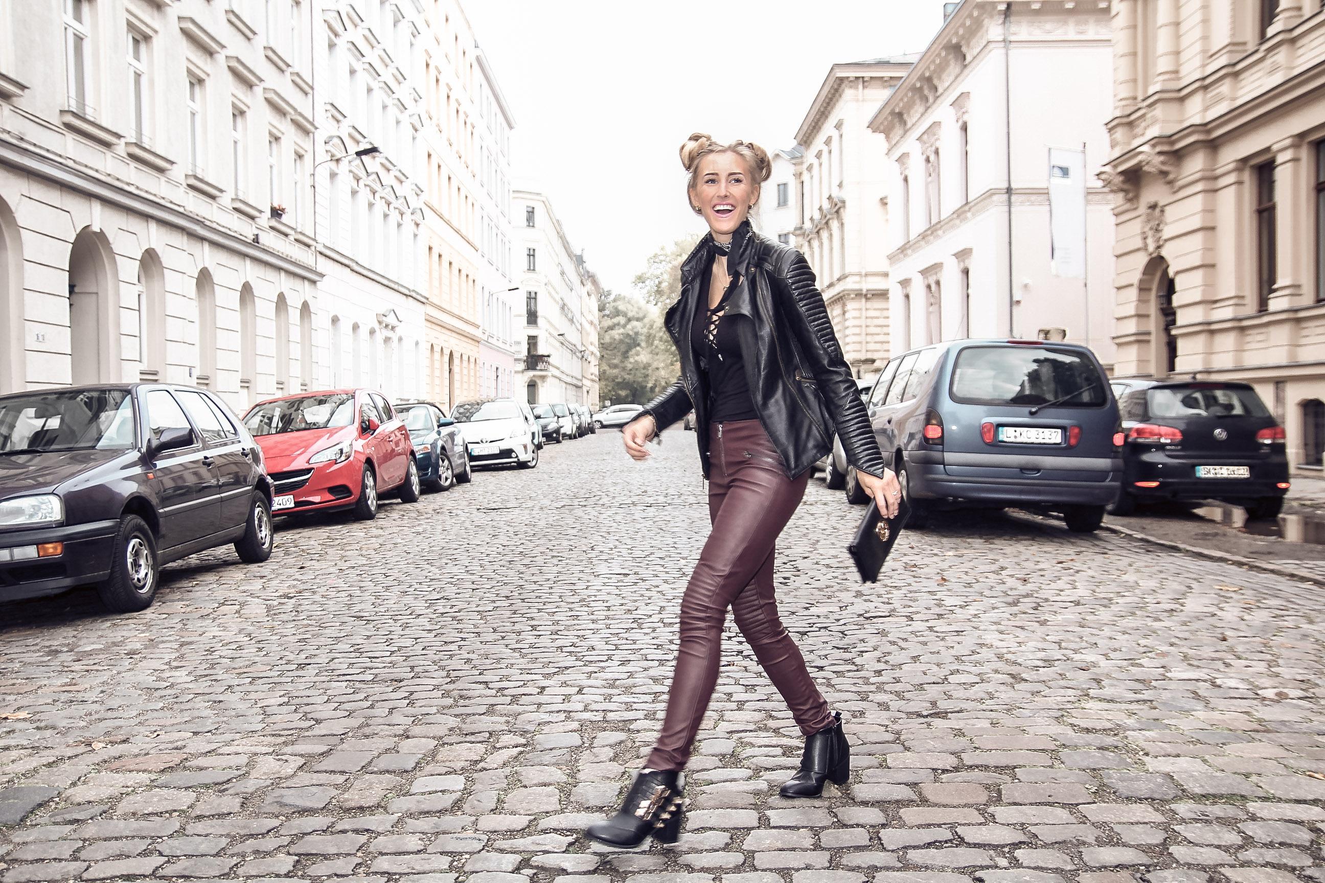 Top 10 Fashionblogger Modeblogger Leslie Huhn - Leder Outfit of the Week