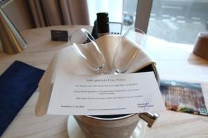 Sektflasche im Hotel Düsseldorf Medienhafen