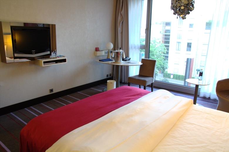 Bett im hotelzimmer in d sseldorf blog for Hotelzimmer teilen
